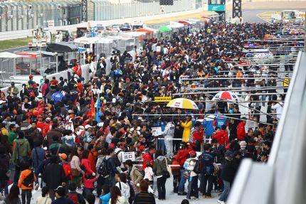 2010 Super GT pit-walk