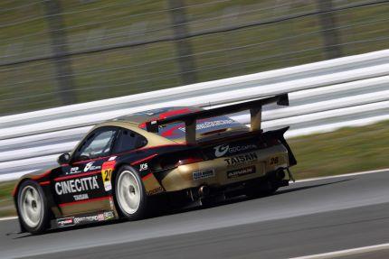 Igor Sushko in #26 Taisan Porsche | 2010 Super GT GT300